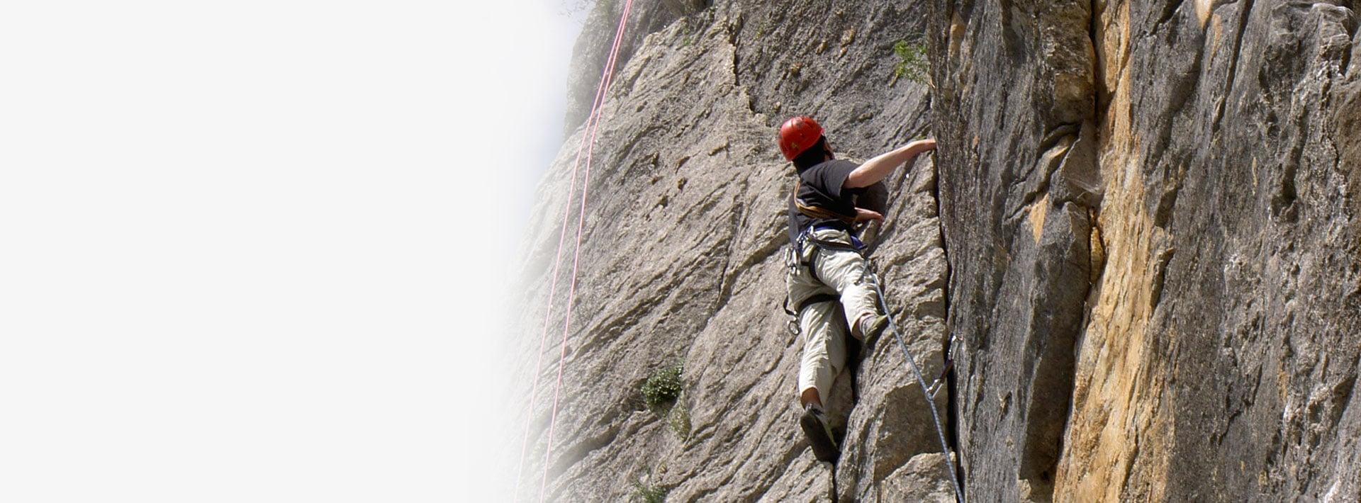 Bis an die Spitze klettern und Vertrauen aufbauen