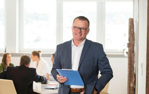 Dirk Beiser ist Trainer, Berater und Coach in Stuttgart mit mehr als 20 Jahren Berufserfahrung