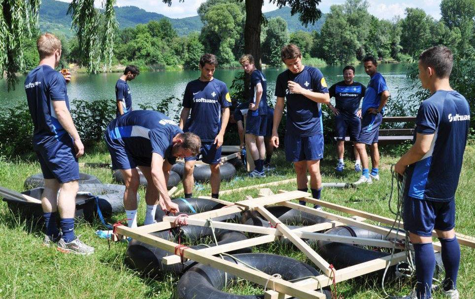 Teamevent Floßbau mit den Profis von Darmstadt 98