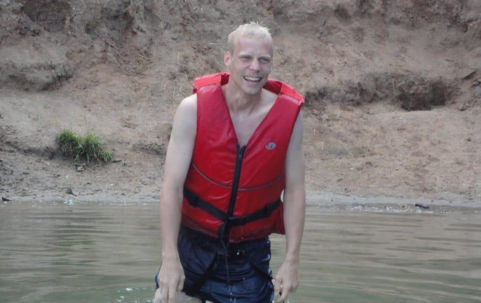 Spaß beim Floßbau mit Profis