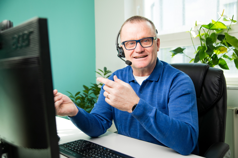 Blended Learning: Kombination aus Präsenz und Online- Learningplattformen